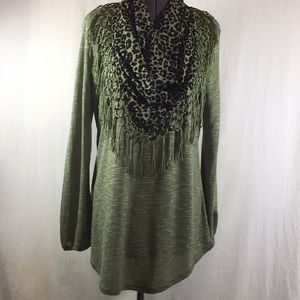 New Direction Top w Attached Scarf  Size L